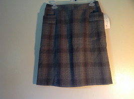 Size 8 Black and Gray Plaid Lined Skirt by Ninety Button Zipper Clasp Closure image 4