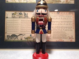 Small Soldier Nutcracker with Movable Arms Eight and a Half Inches Tall image 6