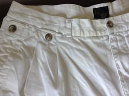 Structure White Shorts 100 Percent Cotton Size 36 Zipper and Button Closure image 3