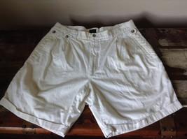 Structure White Shorts 100 Percent Cotton Size 36 Zipper and Button Closure image 5