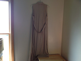 Tan Sleeveless Button Up Dress by Cimmaron Collared V Neckline Size 16 image 8