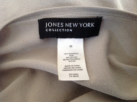 Tan Wide Neck Short Sleeve Shirt Jones New York Made in China Size Medium image 7