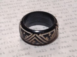 Triangle Pattern Black Wooden Hand Carved Ring Size 6.5 image 4