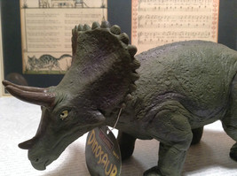 Triceratops Geo Central Green Rubber Toy Dinosaur New with Tag image 3