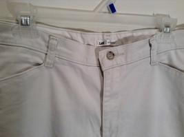 Very Nice Light Gray Size 18W Petite Casual Capri Pants by Lee image 2