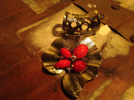 Very Pretty Red Stones and Crystal Leaf Shaped Gold Tone Scarf Pendant image 3