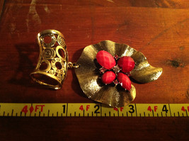 Very Pretty Red Stones and Crystal Leaf Shaped Gold Tone Scarf Pendant image 6