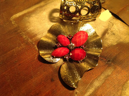 Very Pretty Red Stones and Crystal Leaf Shaped Gold Tone Scarf Pendant image 2