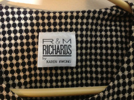Very Pretty R & M Richards Black and White Printed Button Up Blouse Size 12P image 4