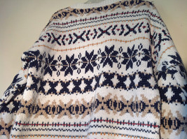 White with Navy Blue Orange Green Tan Patterned Sweater American Eagle Size L image 8