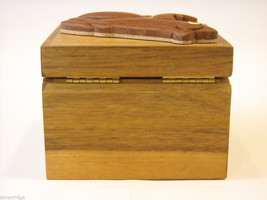 Wood Intarsia trinket box NEW with wood frog on top image 5