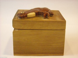 Wood Intarsia trinket box NEW with wood frog on top image 7