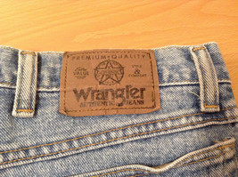 Wrangler Blue Jeans Straight Legs 100 Percent Cotton Size 42 by 30 image 9
