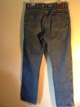 Wrangler Premium Quality Blue Jeans Size 34 by 32 Zipper Button Closure image 5