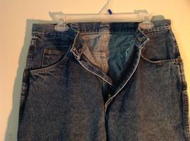 Wrangler Premium Quality Blue Jeans Size 34 by 32 Zipper Button Closure image 4