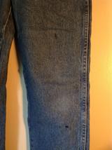 Wrangler Premium Quality Blue Jeans Size 34 by 32 Zipper Button Closure image 2