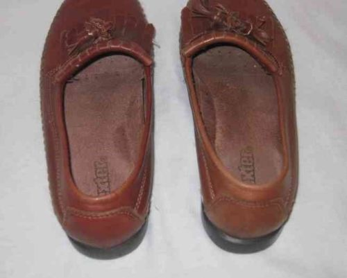Neat Womens Size 7 DEXTER Brown Flats Loafer Shoes
