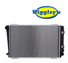 RADIATOR  FO3010107 FITS 91 92 93 94 FORD CROWN VIC LINCOLN MERCURY V8 4.6L image 1