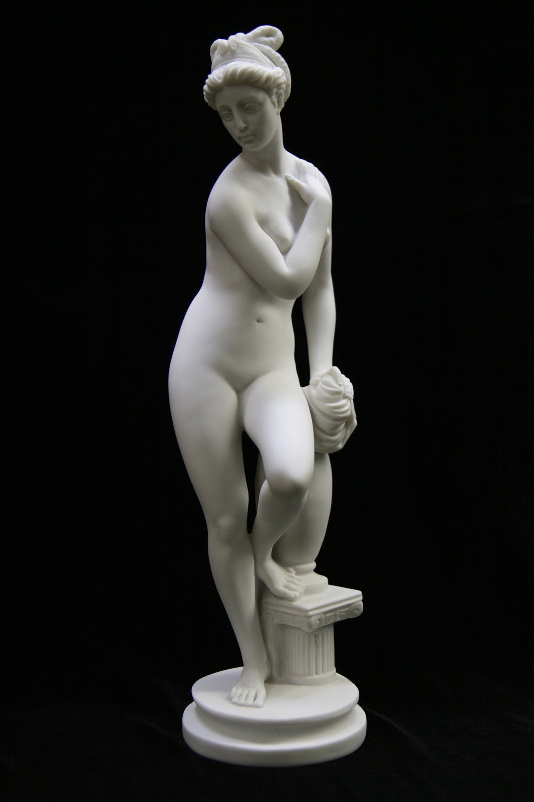 Италия статуя голой толстой женщины порно франции