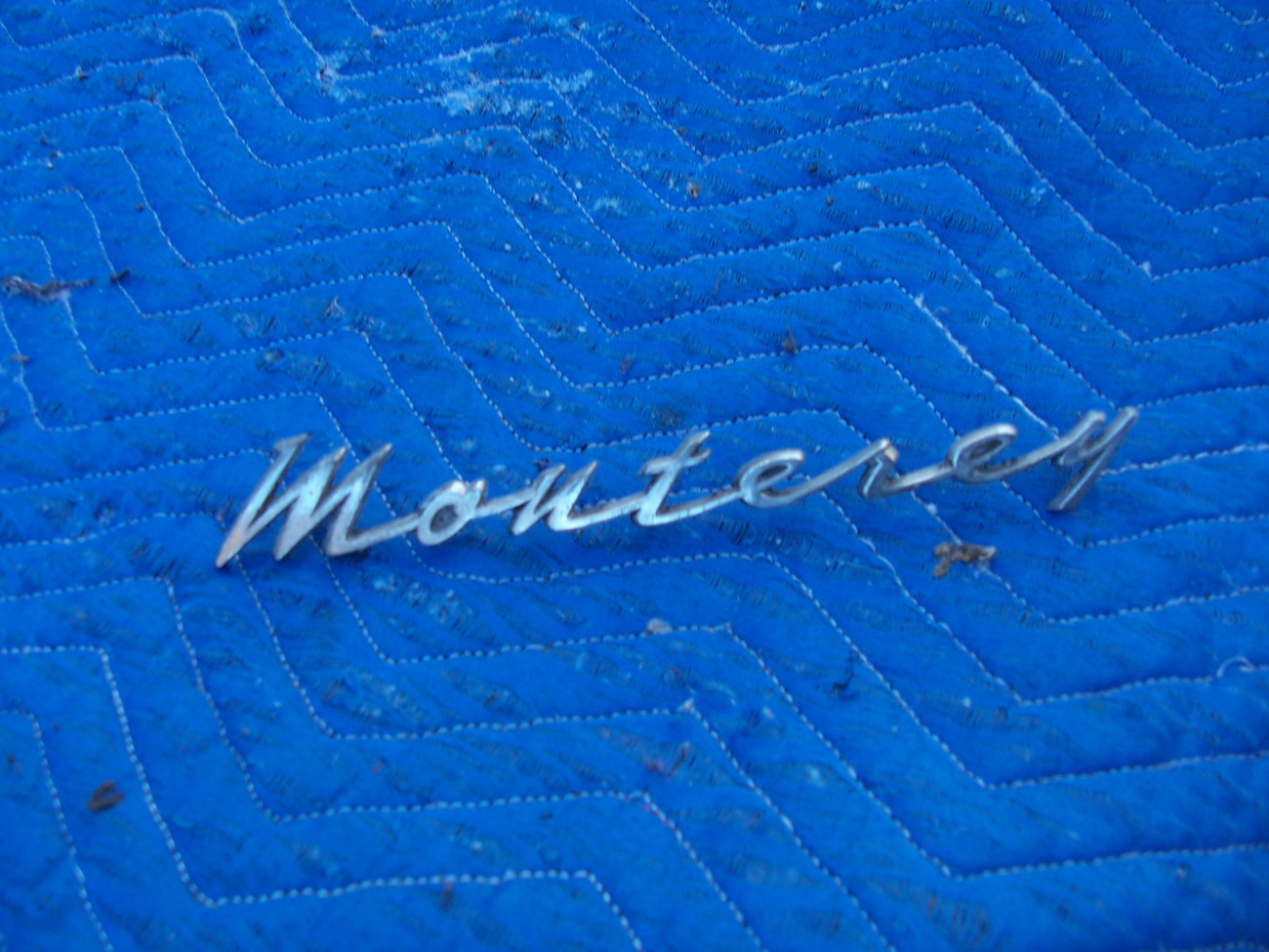 Primary image for 1962 MONTEREY FENDER SCRIPT TRIM EMBLEM OEM USED ORIG MERCURY C2MB-54291-A 36A