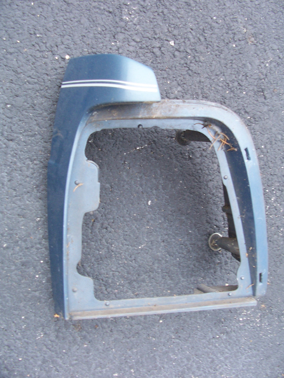 Primary image for 1988 1991 CROWN VICTORIA LEFT TAILLIGHT HOUSING OEM USED BLUE FENDER EXTENSION
