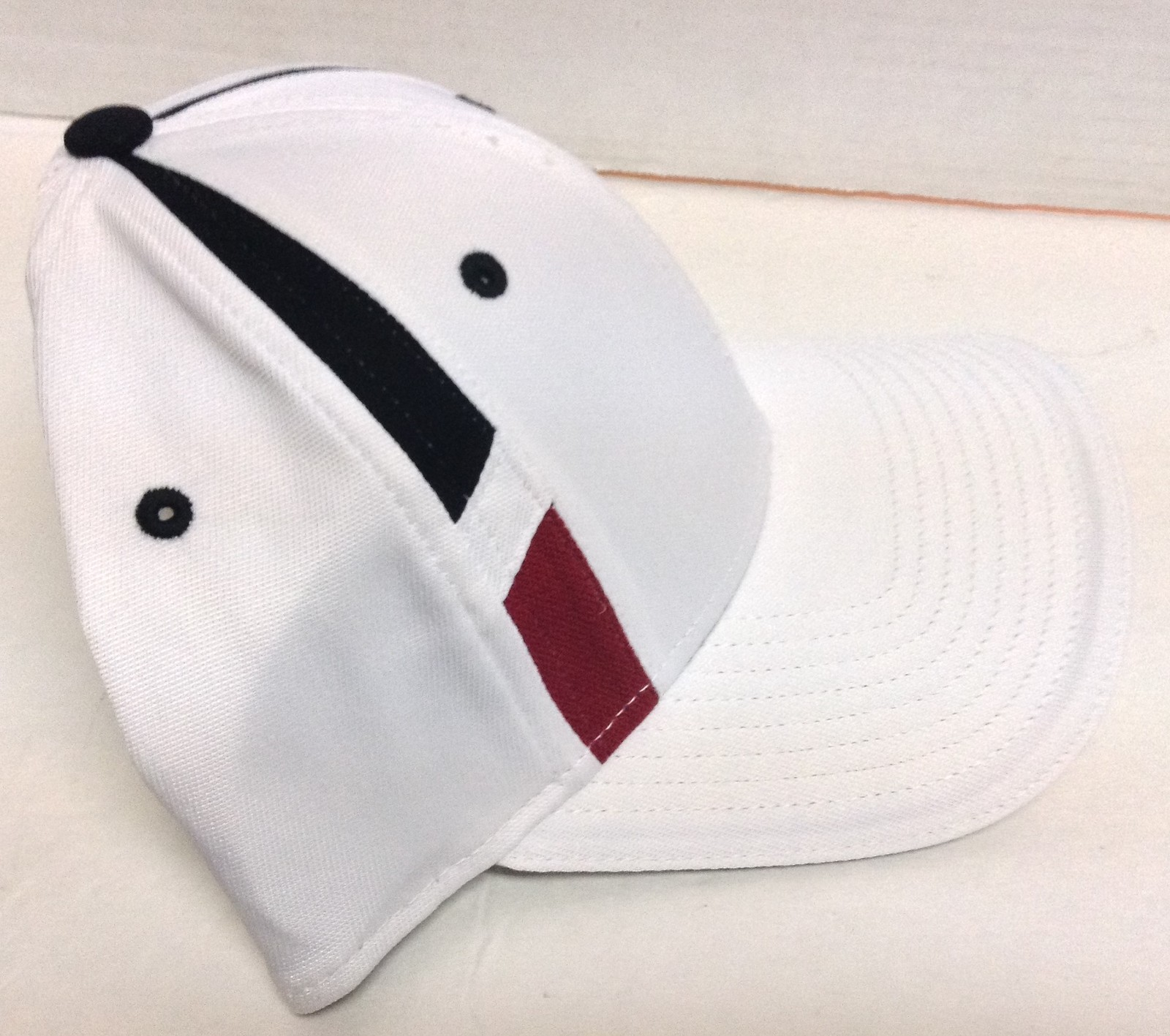 OC Q3 Sports Hat Red White Blue NWT Quick Dry Cool Wi