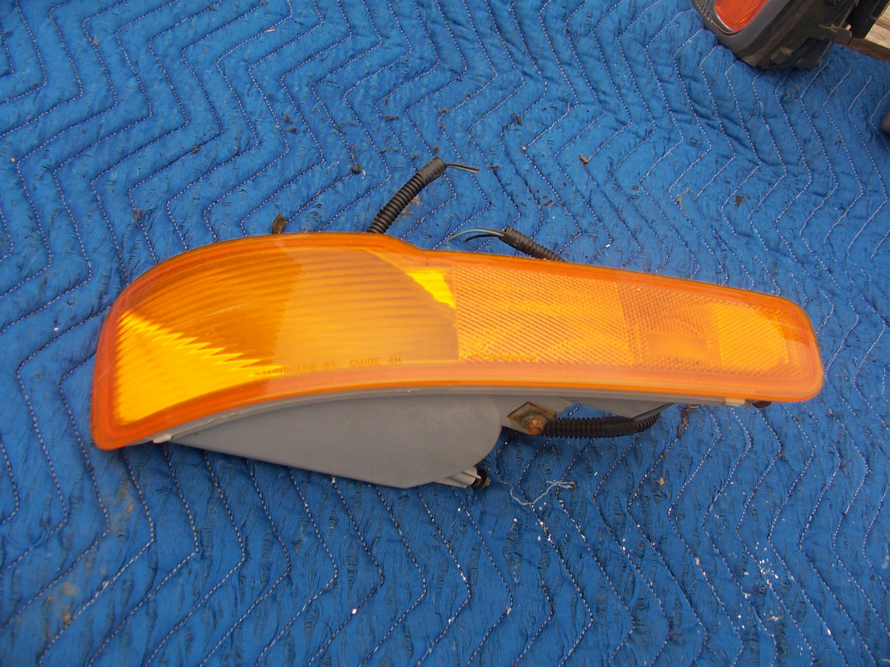 Primary image for 1997 1998 1999 LESABRE BUMPER LEFT MARKER SIGNAL OEM USED ORIGINAL BUICK GM PART