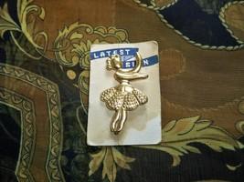 Vintage ballerina brooch1 thumb200