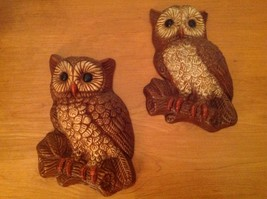 Vintage Pair Owl Wall Art Figurines Plaques Decoration - $14.50