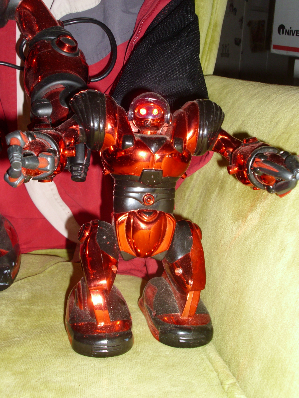 WowWee Robosapien + Mini Robosapien Combo - Red EUC All parts work Big & small