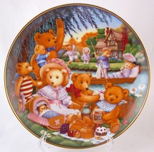 Franklin Mint Teddy Bear Picnic Limited Edition Heirloom Plate S6965 - $10.00