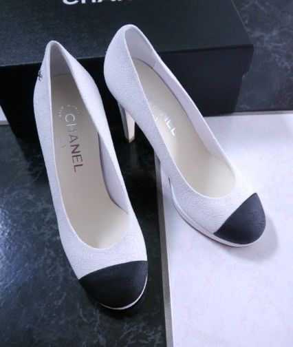 Primary image for NIB 100% AUTH CHANE 15C CRACKLED LEATHER BLACK CAP TOE PUMPS SHOES $875