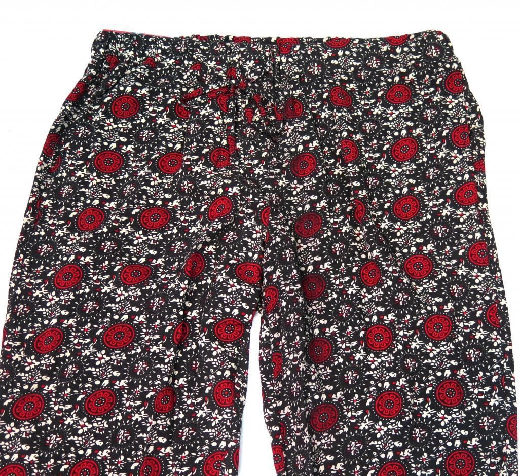 Womens Size XS S  Bandolino Sasha Medallion Print Pull On Soft Pant Black Red