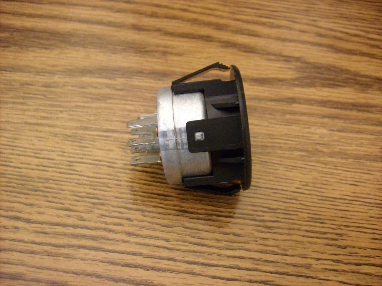 Ignition starter switch Ariens mini zoom 1640, 1844, 2048, 2252, 15883, 01588300
