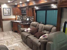 2017 Fleetwood Discovery 37R for sale by Owner - Sullivan , IL image 6
