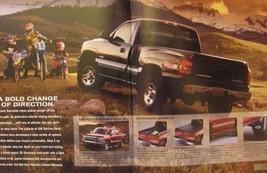 2000 Chevrolet Chevy Silverado Truck Sales Brochure LS LT, Original Xlnt - $6.91