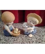 "Country Cousins lot of 2 Enesco Figurines  #1074 3""Tall x 1.75"" Porcelain  - $12.99"