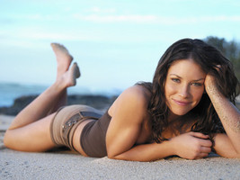 Evangeline Lilly 24X36 Poster Print LHW #LHG400284 - $24.97