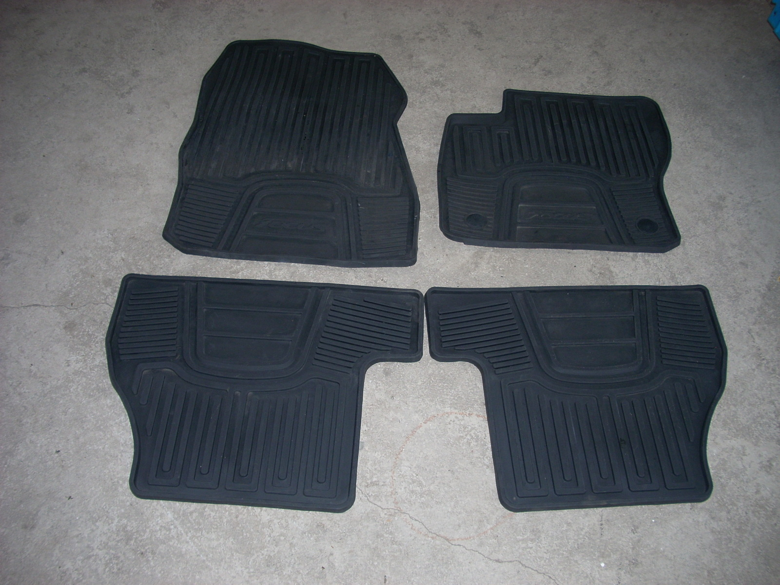 2013 FORD FOCUS FLOOR MATS