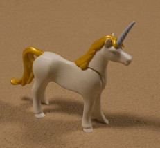 PLAYMOBIL FAIRYTALE UNICORN WHITE GOLD MANE & TAIL ACCESSORY MAGIC PRINCESS - $5.04