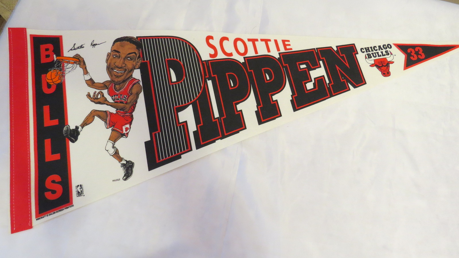 Primary image for Chicago Bulls Pennant - Scotty Pippen Cartoon Graphic - 1990s
