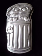 Wilton Oscar the Grouch Muppets Cake Pan Vintage 1977 #502-7512 - $14.65