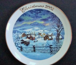Avon 2002 Home for the Holidays Decorative Plate - $8.99