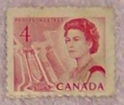 4 Cent 1967 Canada Canadian Centennial Stamp Queen Elizabeth - $1.49
