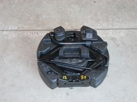 2012 FORD FOCUS JACK WITH TOOLS