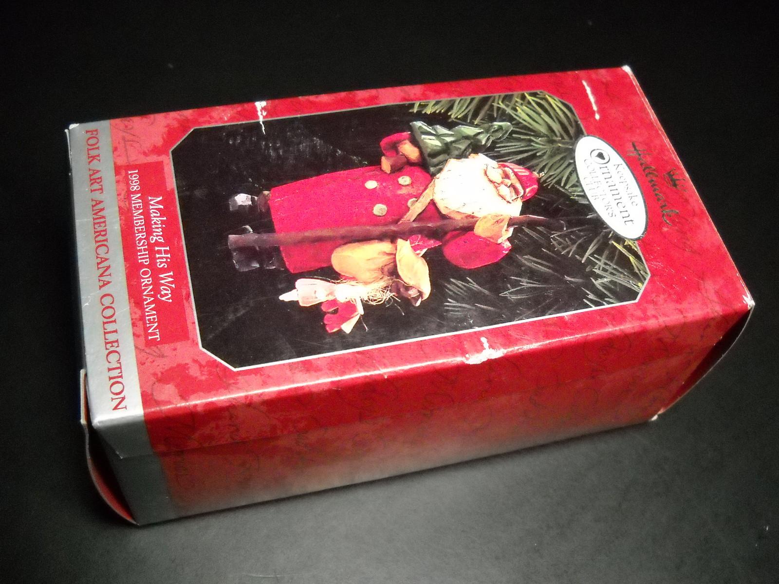 Hallmark keepsake ornament 1998 making his way folk art - Ornament tapete weiay ...