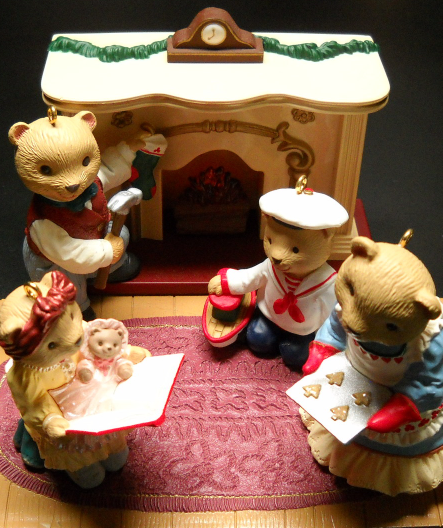 Primary image for Hallmark Keepsake Christmas Ornaments 1993 Bearingers of Victoria Circle Set