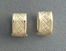 Vintage Earrings 10K Yellow Gold Small Wide Hinged Hoop Snap Clasp Signe... - $109.99