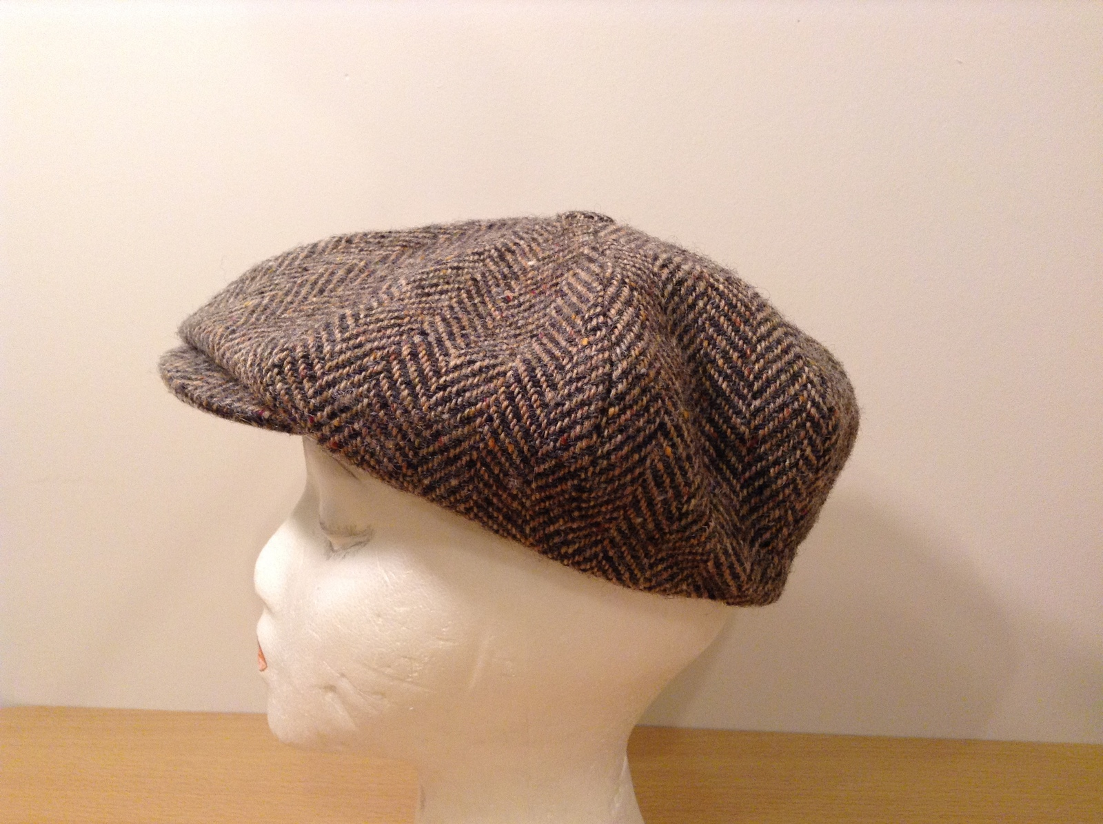 Hanna Hats for L.L.Bean 100% Wool Brown Tweed Scottish Cap Hat, size M, Vintage