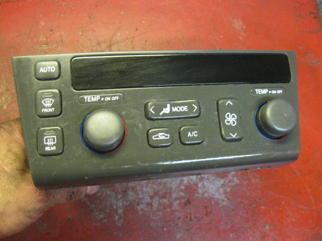 Primary image for 98 99 01 02 03 04 00 Cadillac seville sls climate control switch unit 09383026